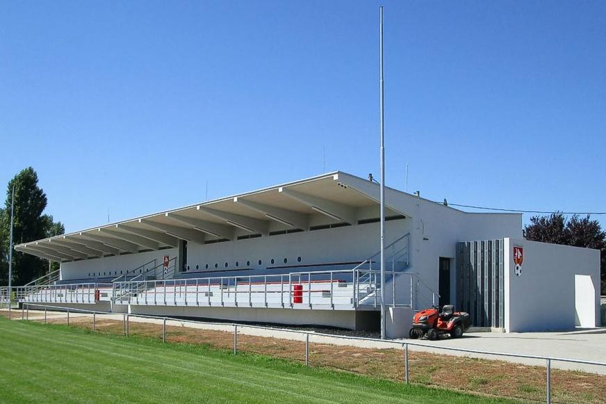 fotbalová tribúna projekt stavby
